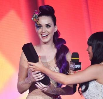 """Katy Perry """"Wide Awake"""": Um vídeo sobre Controle Mental O-katy11"""