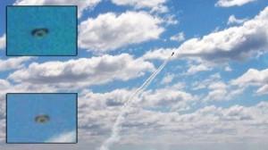 OVNI/UFO atravessa cena em show aéreo nos EUA Ovni-e10