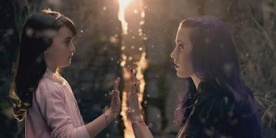 """Katy Perry """"Wide Awake"""": Um vídeo sobre Controle Mental Wideaw13"""