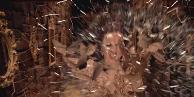 """Katy Perry """"Wide Awake"""": Um vídeo sobre Controle Mental Wideaw14"""