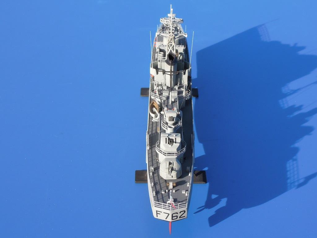 Escorteur rapide LE BRESTOIS au 1/400 Heller- L'Arsenal Dscn0322