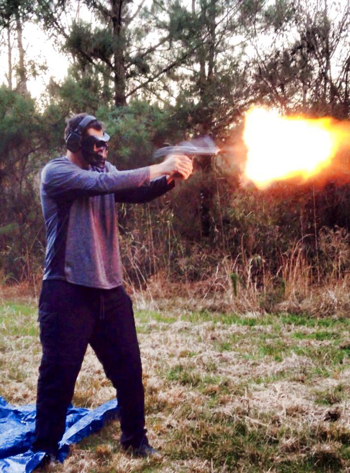lets see your guns! - Page 4 De50_210