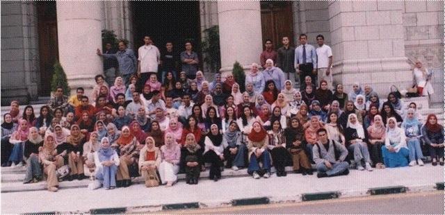 Iran : l'université privée Azad met en place des cours pour devenir une femme au foyer exemplaire. Image011