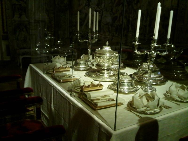 Expositions et conférences à la Chapelle expiatoire, Paris Grd_co11