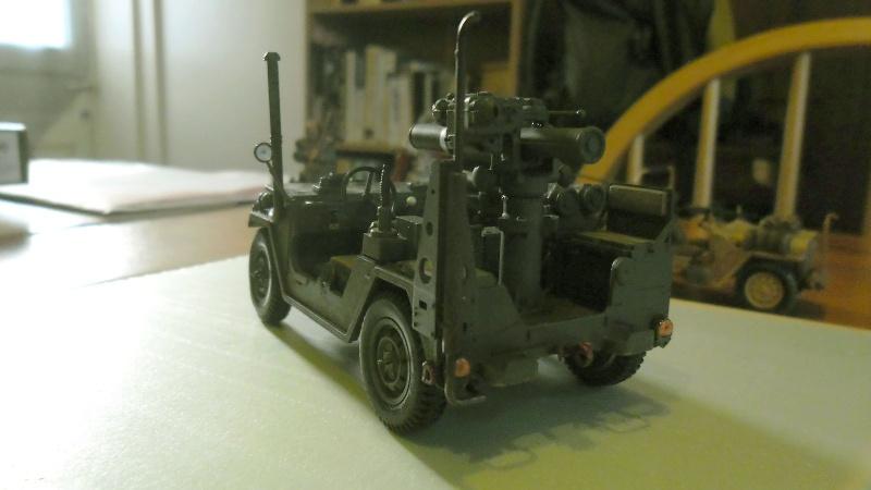 M151 A2 TOW  Académy 1/35 M151a213