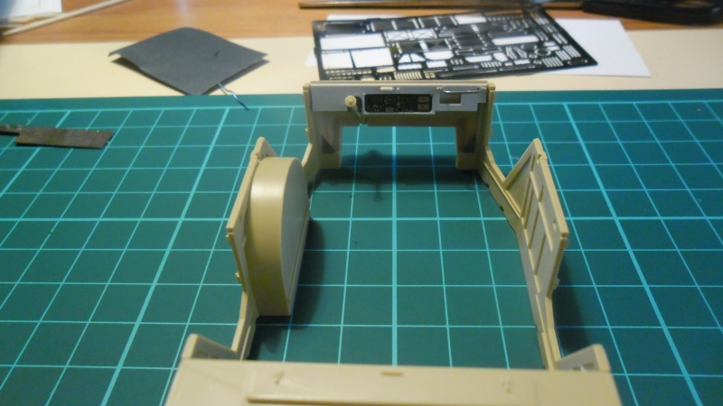 Steyr Typ 1500A/01 Tamiya 1/35 + Photodecoupe Eduard - Page 2 Caisse10