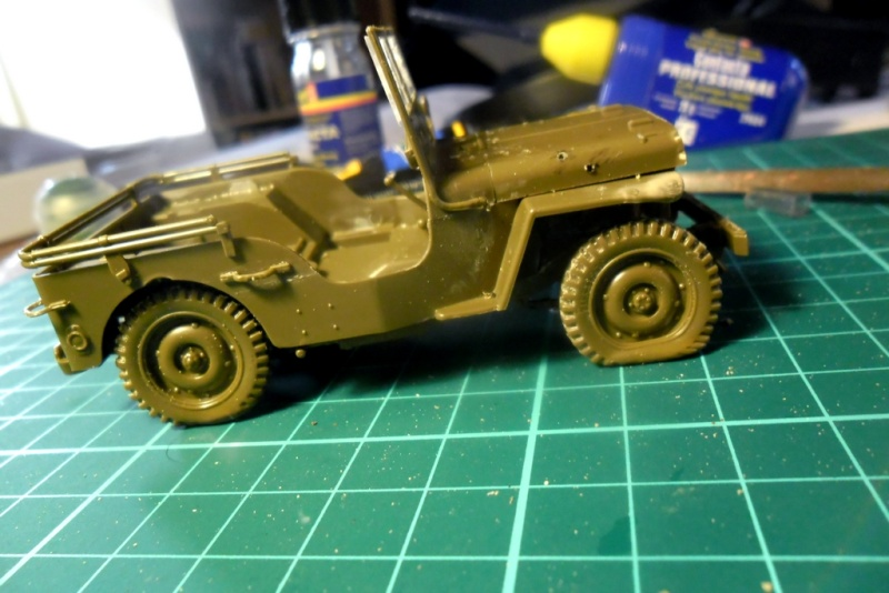 Willys Jeep Italeri épave 1/35 (Finie) - Page 2 Sam_1924