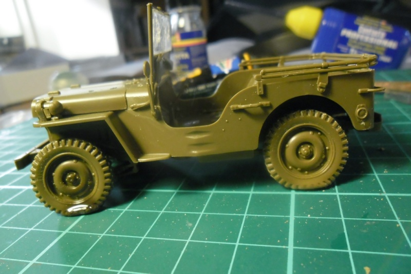 Willys Jeep Italeri épave 1/35 (Finie) - Page 2 Sam_1925