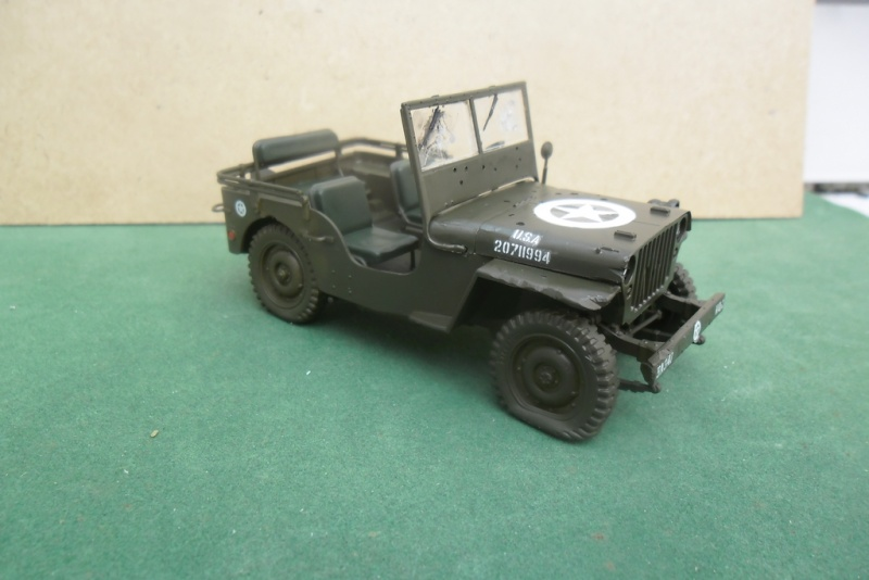 Willys Jeep Italeri épave 1/35 (Finie) - Page 2 Sam_1927