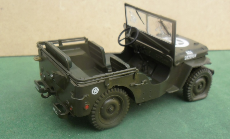 Willys Jeep Italeri épave 1/35 (Finie) - Page 2 Sam_1928