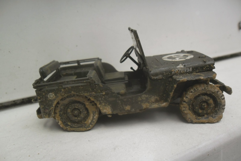 Willys Jeep Italeri épave 1/35 (Finie) - Page 3 Sam_1931