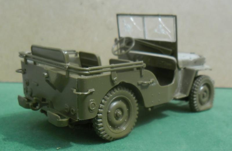Willys Jeep Italeri épave 1/35 (Finie) - Page 2 Sans_t48