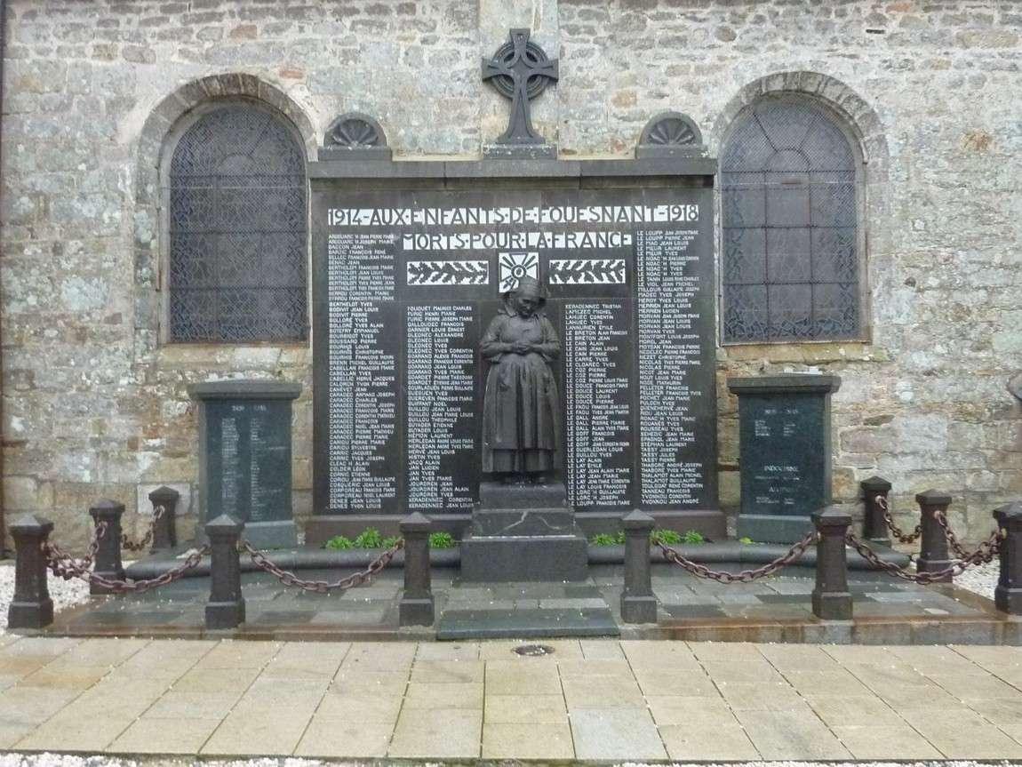 [Histoires et Histoire] Monuments aux morts originaux Français Tome 1 - Page 12 Fouesn10