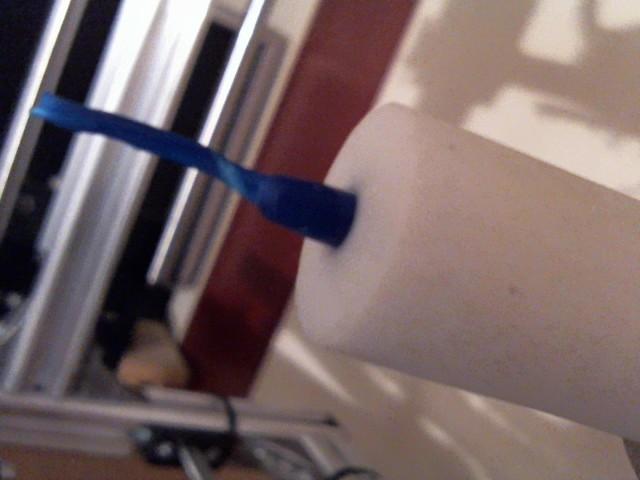filament collé dans le tube blanc Montag15