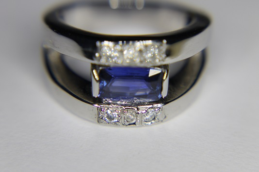 Bague saphir et diamants Img_3210