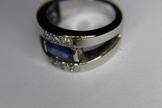 Bague saphir et diamants Img_3211