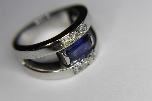 Bague saphir et diamants Img_3212