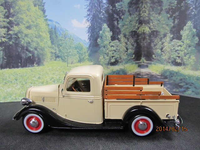 1937 Ford Pick Up 01310