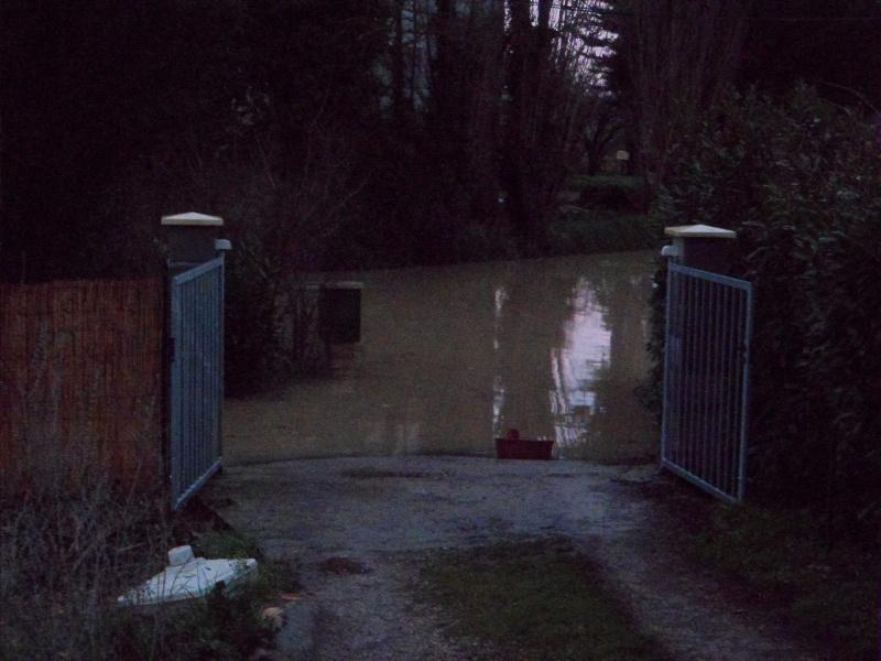 Alerte à la crue de la Garonne -  Inondation - Page 2 Sam_3111