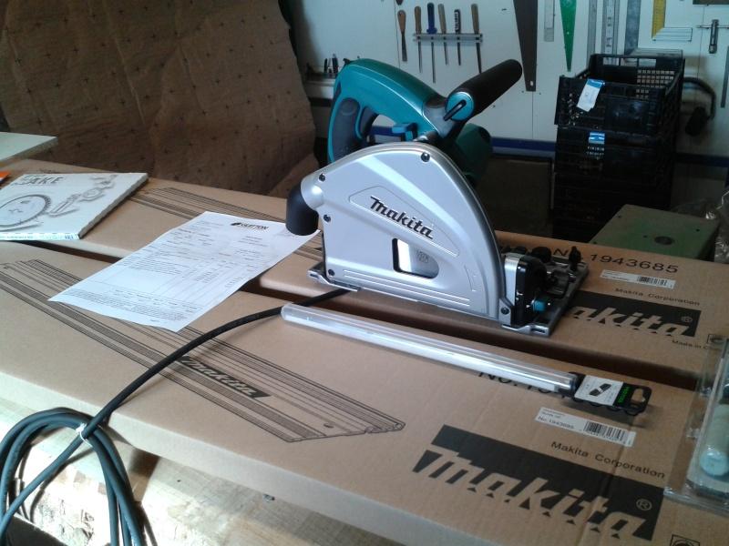 Une nouvelle venue - scie radiale dans l'atelier 2014-030