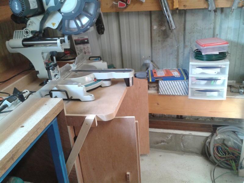 Une nouvelle venue - scie radiale dans l'atelier 2014-034