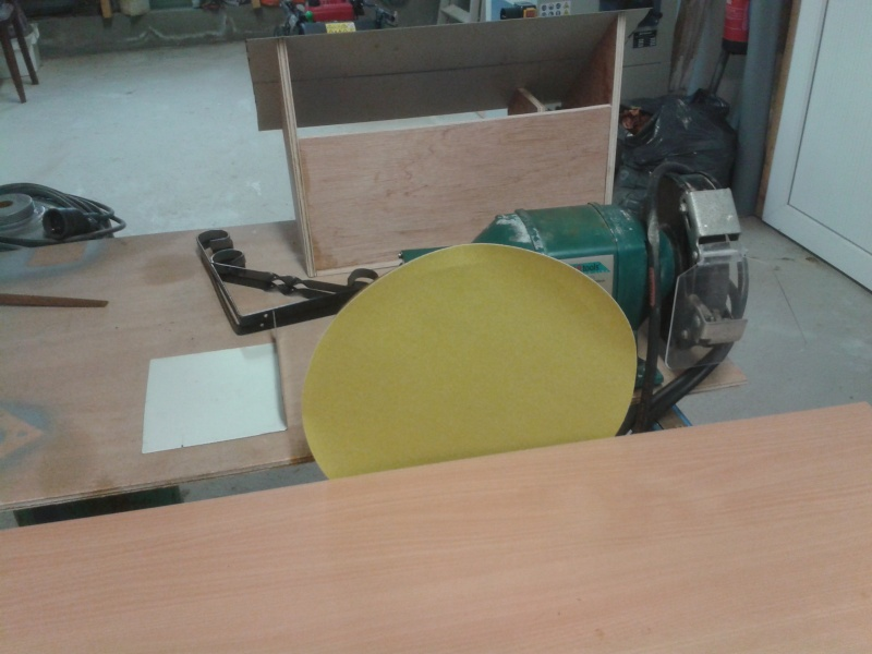 fabrication d'une ponceuse a disque - Page 2 2014-047