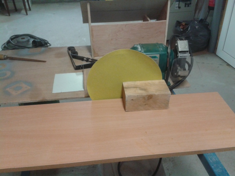 fabrication d'une ponceuse a disque - Page 2 2014-048