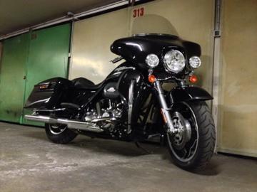 combien de STREET GLIDE  sur le forum Passion-Harley - Page 3 Img_0111