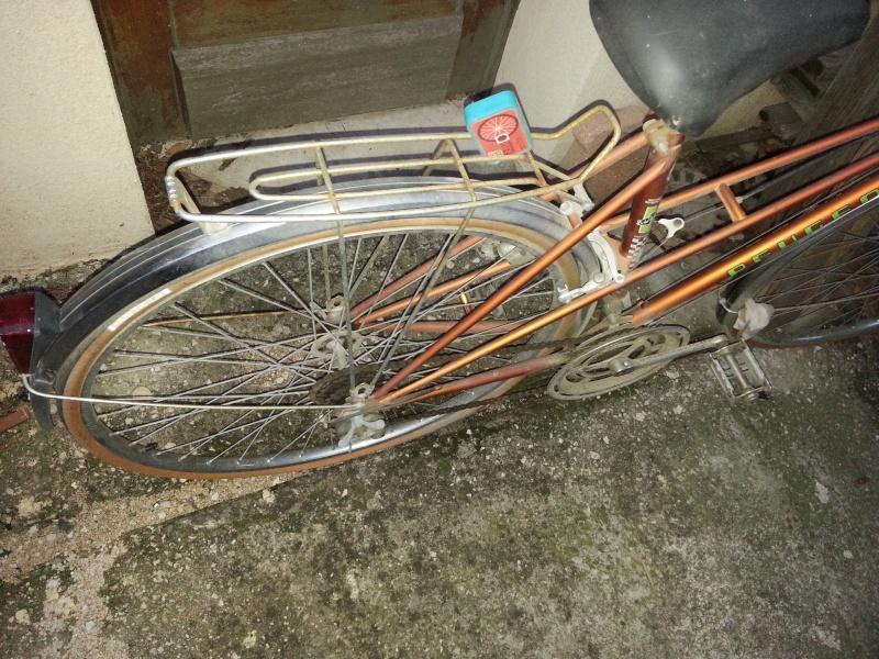vélo de ville femme Peugeot 20131015