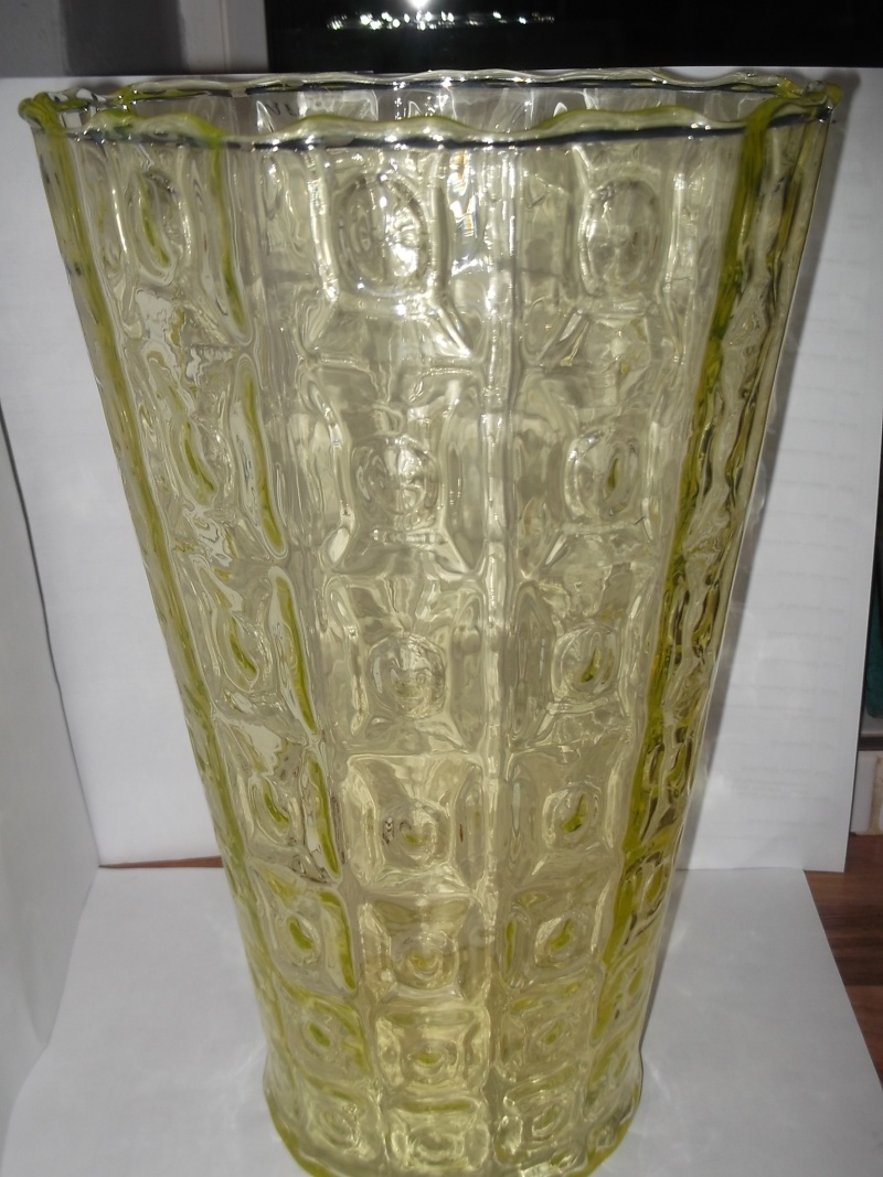 Green yellow patterned large vase? 2012-132