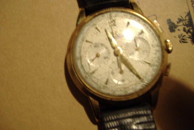 Jaeger - [Ici TOPIC des demandes d'IDENTIFICATION et RENSEIGNEMENTS de vos montres] - Page 38 Dscf0611