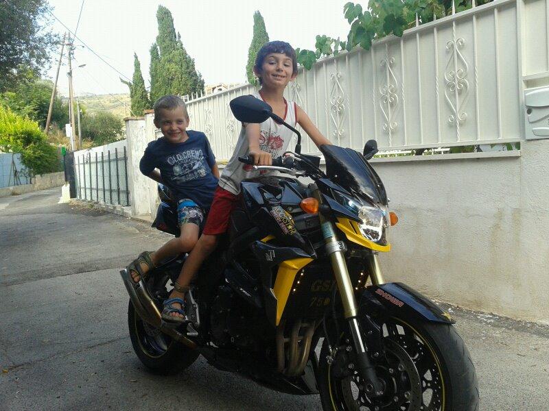 voici donc mes ancienne et mon petit cbr :) 54792510
