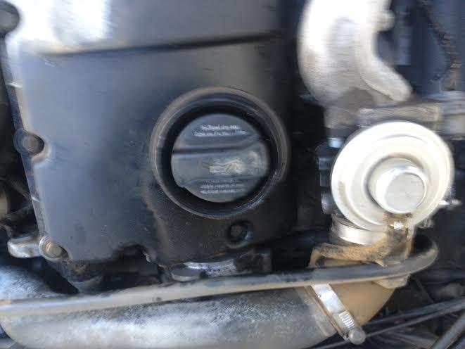 [ Audi A4 Avant 1.9 tdi 115 an 2001 ] fuites moteur côté gauche Audi_410