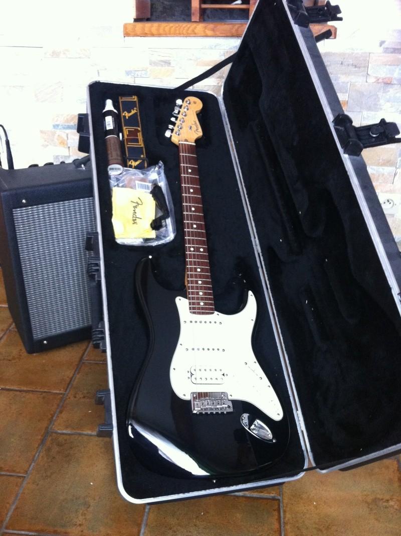 Strat AM HSS Guitar16