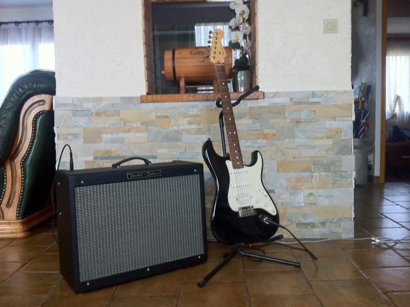 Strat AM HSS Guitar17