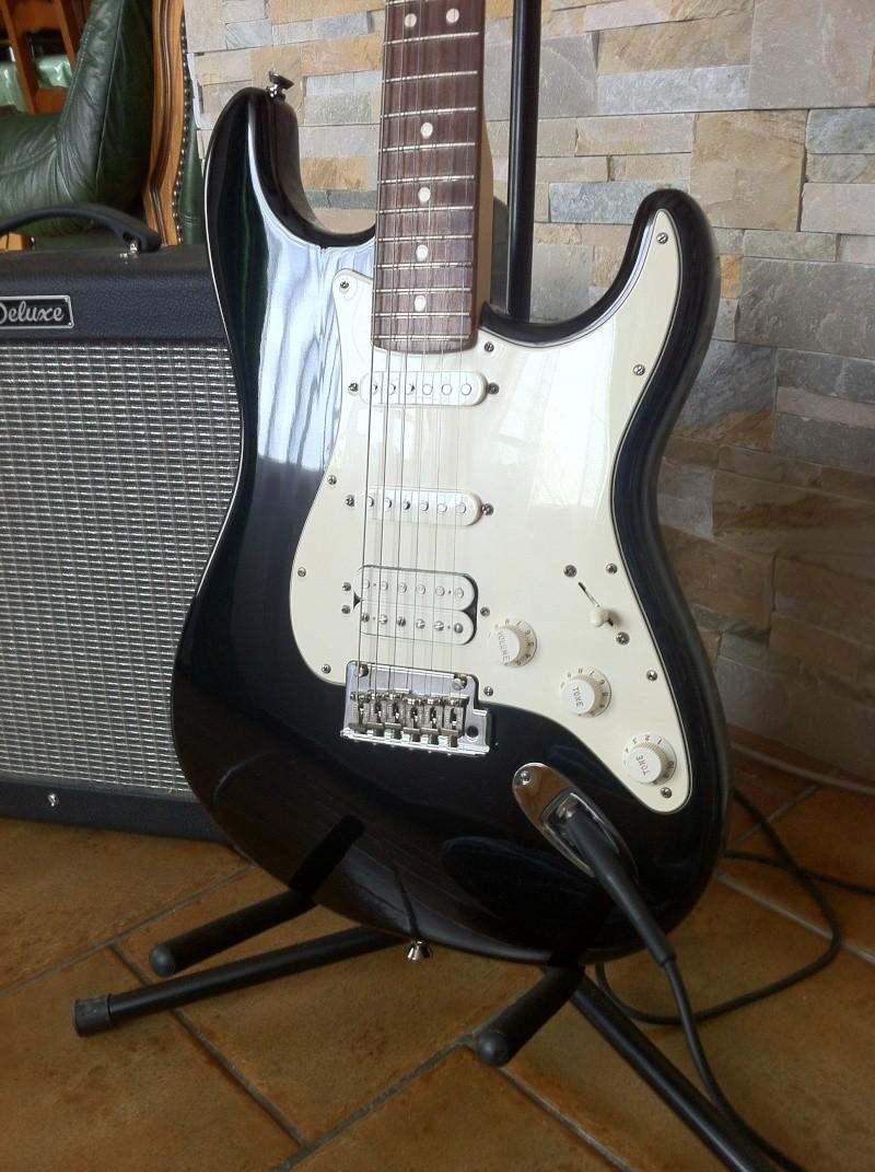 Strat AM HSS Guitar19