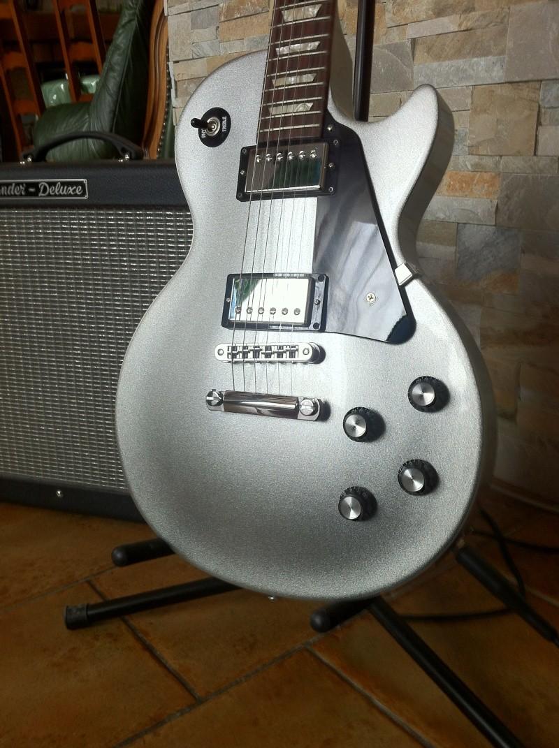 Les Paul Studio Guitar27