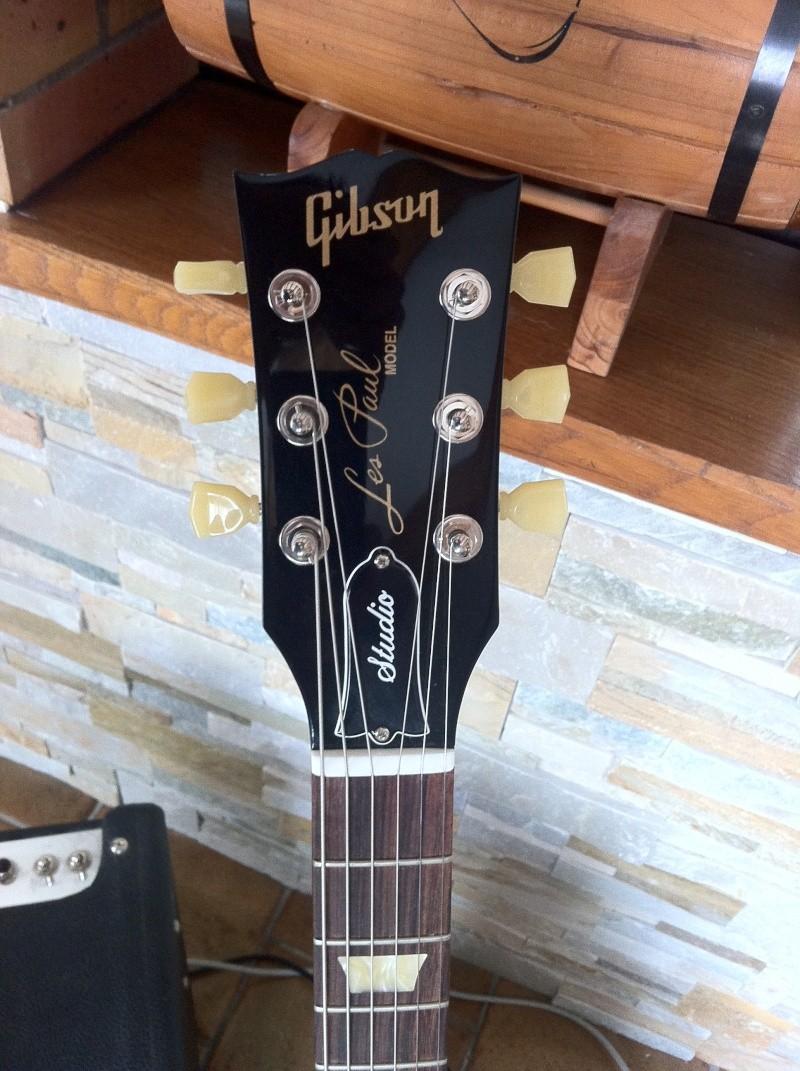 Les Paul Studio Guitar28