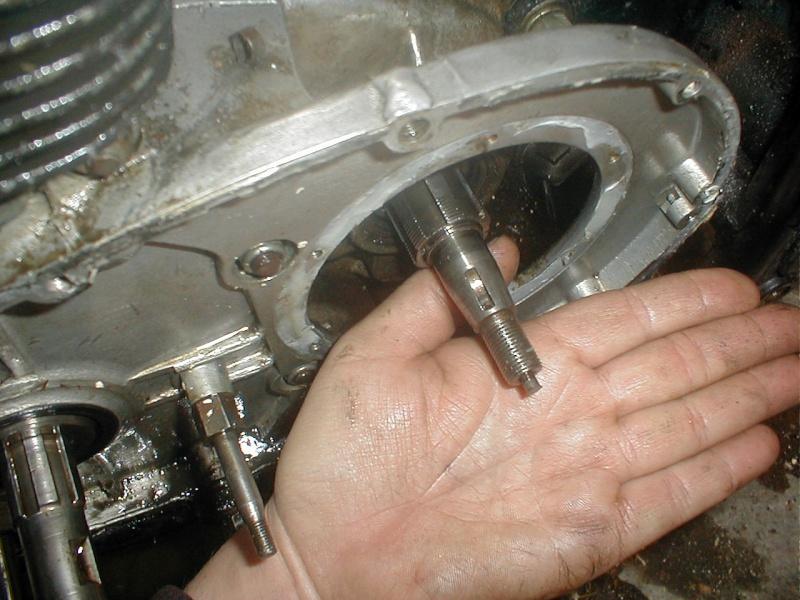problèmes Triumph TR25W P1010018