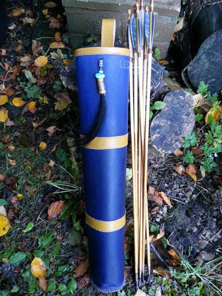 Arrows and quiver 14789811