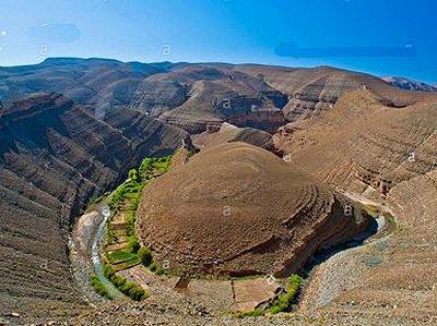 Amazigh - voila pourquoi l'Amazigh reste ancré a sa montagne Dades10