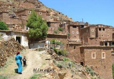 Amazigh - voila pourquoi l'Amazigh reste ancré a sa montagne Villag10