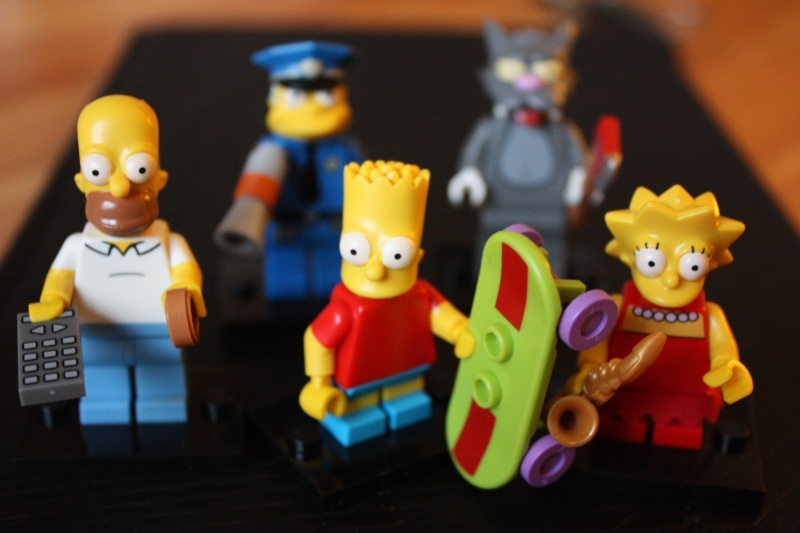 [LEGO] LES SIMPSONS - Page 2 Img_4023