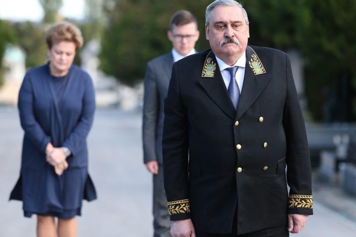 Umjesto kod Plenkija ruski veleposlanik požurio na grob Franje Tuđmana kao i kod Milanovića Pxl_1410
