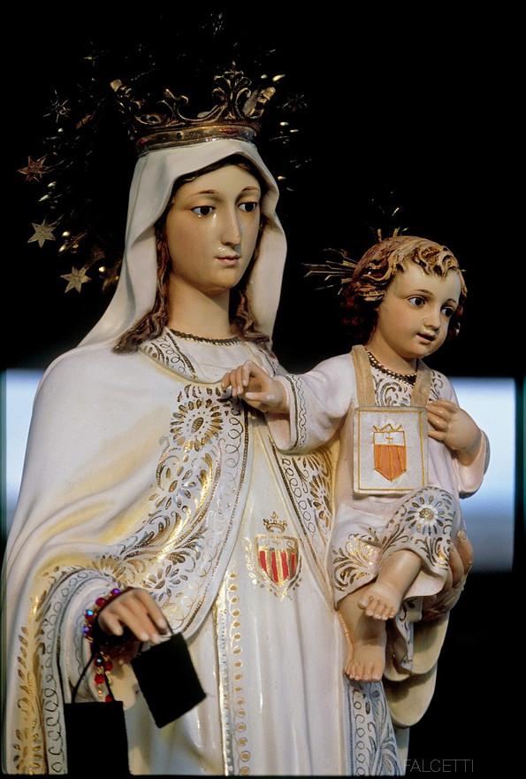 Veliki požar u svetištu u Mariji Bistrici! Požar 'preživio' jedino - plastični kip Gospe! Weepin10