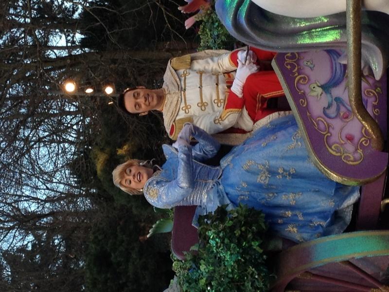 Vos photos avec les Personnages Disney - Page 2 Parade14