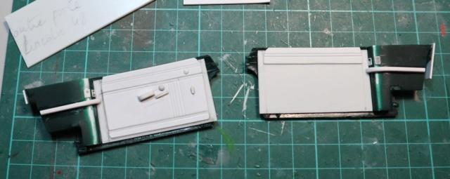 Comme Manu : défi montage: Lincoln Continental 48' de chez Pyro - Page 2 00115