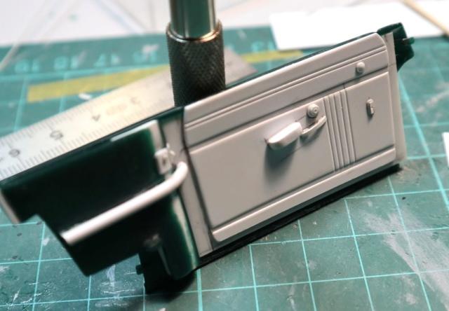 Comme Manu : défi montage: Lincoln Continental 48' de chez Pyro 00815