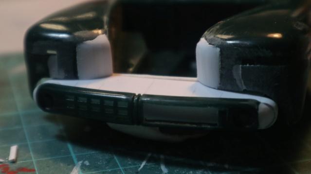 Comme Manu : défi montage: Lincoln Continental 48' de chez Pyro - Page 4 00818