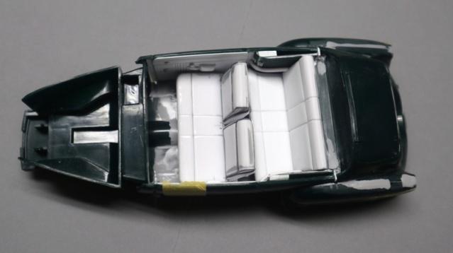 Comme Manu : défi montage: Lincoln Continental 48' de chez Pyro - Page 4 01014